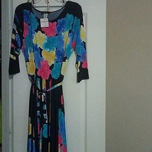 NWT Floral print maxi dress